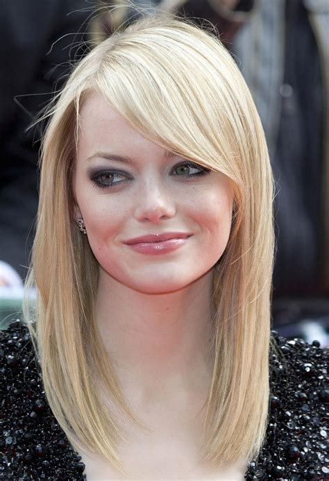 emma stone blonde emma stone at the amazing spider man premiere in london