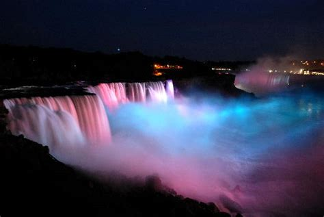 niagara falls light show the evening light show changes colors every few minutes
