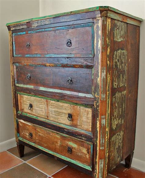 Rustic Painted Furniture by 25 Best Ideas About Rustic Painted Furniture On