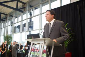 mercedes store opens  gatineau canadian auto dealer