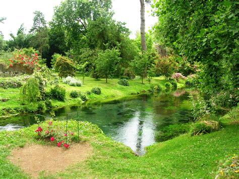 giardino ninfa giardino di ninfa