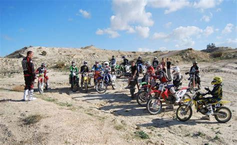 Motorrad Hinterrad Fahren by Motocross Fahrtechnik Lehrgang Md Tricks Skills Pekafit
