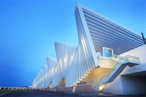 Milwaukee by Santiago Calatrava Architecture Photos Architectural Digest