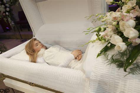 dead celebrities in open caskets 1994 2013 in loving memory liana kotsura playing dead