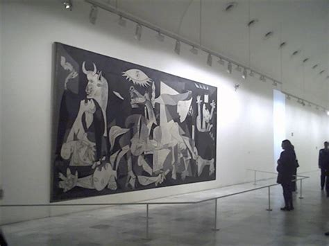 picasso paintings in reina sofia sense of size of picasso s guernica at reina sofia museum