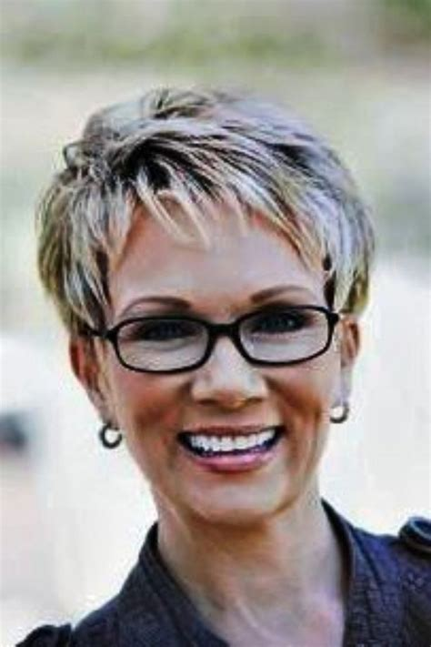short hair cuts for over 60 with fine hair great short haircuts for women over 60 with fine hair pic