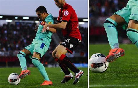 alexis sanchez nike mercurial madness vapor viii hits the pitch