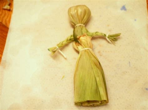 corn husk dolls make a corn husk doll pink stripey socks