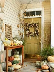 45 cute and cozy fall and halloween porch d 233 cor ideas shelterness