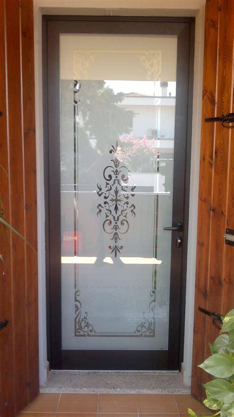 porte d ingresso con vetro porte e portoni vievi serramenti