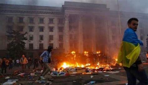consolati ucraini in italia davanti ad ambasciate e consolati ucraini contro la