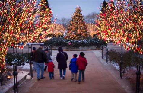 5800 n clark christmas trees chicago five things to do this weekend december 6 8