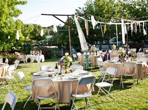 10 fantastic small backyard wedding ideas on a budget
