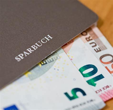 erste bank sparbuch zinsen ezb politik die erste bank verlangt strafzinsen welt
