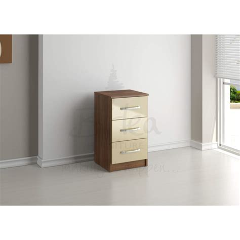 Lynx Bedroom Furniture Birlea Furniture Lynx 3 Drawer Bedside Table In Walnut Furniture123