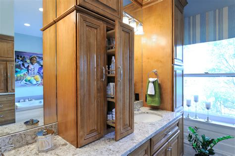 Beauty Restored Traditional Bathroom St Louis By Baumhouse Design
