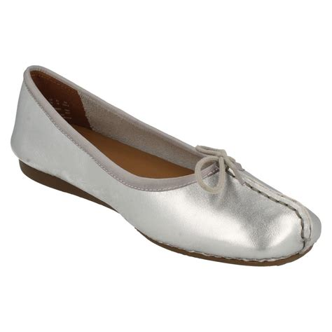 comfort flats shoes ladies clarks comfort everyday leather ballerina style
