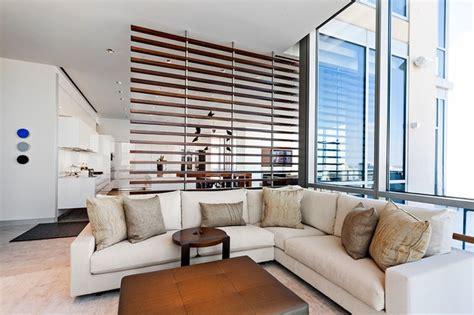 moderne einrichtung wohnzimmer moderne wohnzimmer einrichtung und dezente raumtrennung