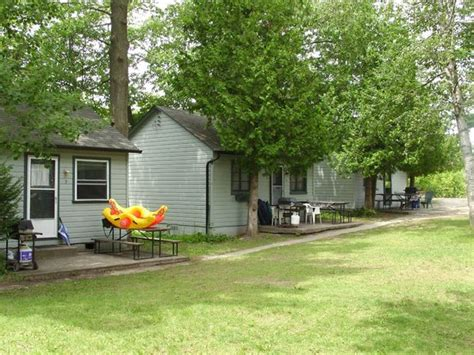 wasaga cottage rental small cottages picture of adrian s wasaga