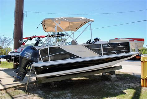 pontoon boats hurricane 2017 hurricane fundeck 216re3 pontoon boat power boat for