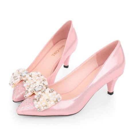 hg pointed toe pink kitten heels sparkly rhinestone bridal