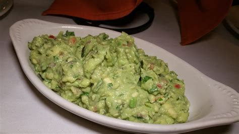 Table Side Guacamole by A 241 Ejo Cantina Grill Is Spicing Up Ventura Blvd