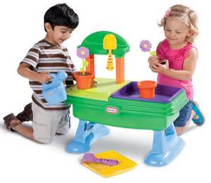 Top 10 best toys for 1 year old girls 2014 pictures to pin on