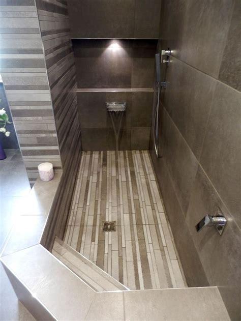doccia in muratura misure le 25 migliori idee su bagno con doccia su