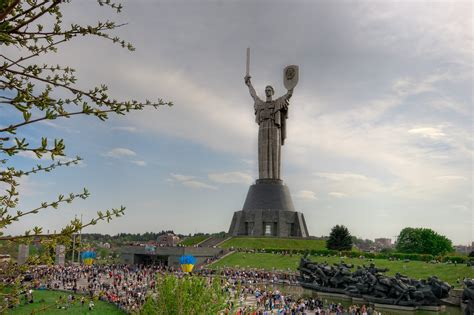 7 largest statues in the world with photos map touropia