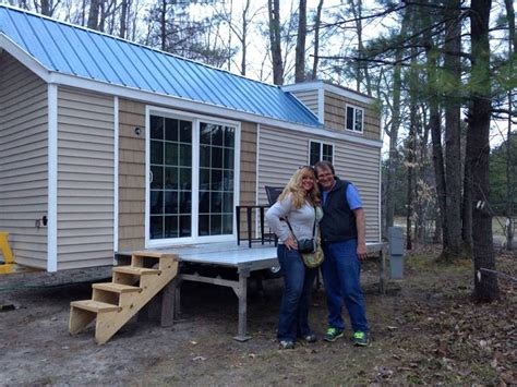 200 sq ft tiny house couple living simply in 200 sq ft tiny house built for 15k