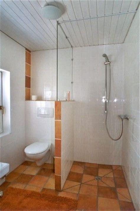 kleine halbe badezimmer die 25 besten ideen zu duschabtrennung auf