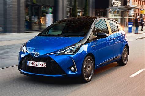 toyota yaris toyota yaris hybrid 2017 review auto express