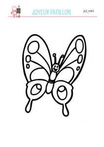 Lovely Jeux Pour Enfants De 5 Ans Gratuit #7: Coloriage-papillon-souriant.jpg