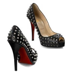 <strong>christian</strong>-<strong>louboutin</strong>-very-prive-peep-toe-pumps.jpg