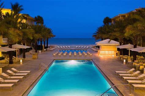 anillla: Naples Beach Hotel