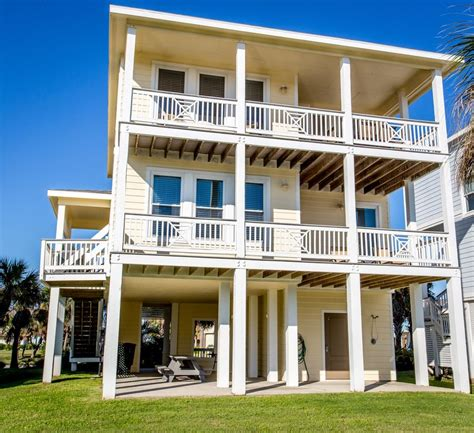 Suits Us Pointe West Galveston Beach House Vrbo Galveston House Rentals By Owner
