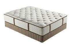 The Plaza Mattress stearns foster plaza plush mattress the mattress expert