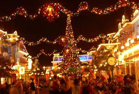 11 most popular places to go for christmas holiday