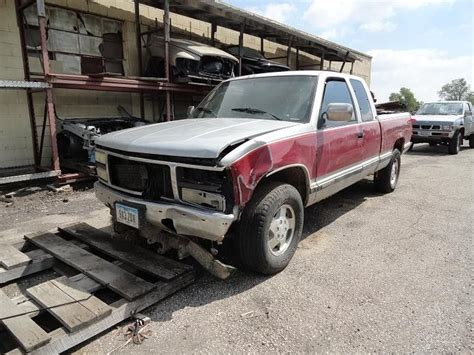 how make cars 1996 gmc 1500 spare parts catalogs 1996 gmc truck suburban 1500 engine accessories engine oil cooler engine oil cooler used auto