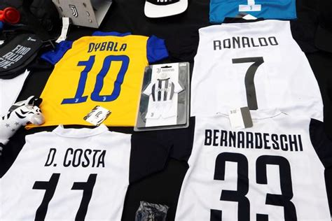 ronaldo juventus authentic jersey cristiano ronaldo juventus shirts printed with his iconic no 7 on back as excited fans get