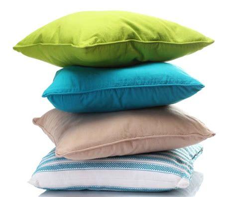 cuscini economici come lavare i cuscini divano in modo low cost