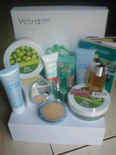 Lipstik Wardah Yang Murah til cantik dengan produk 100 halal wardah andri