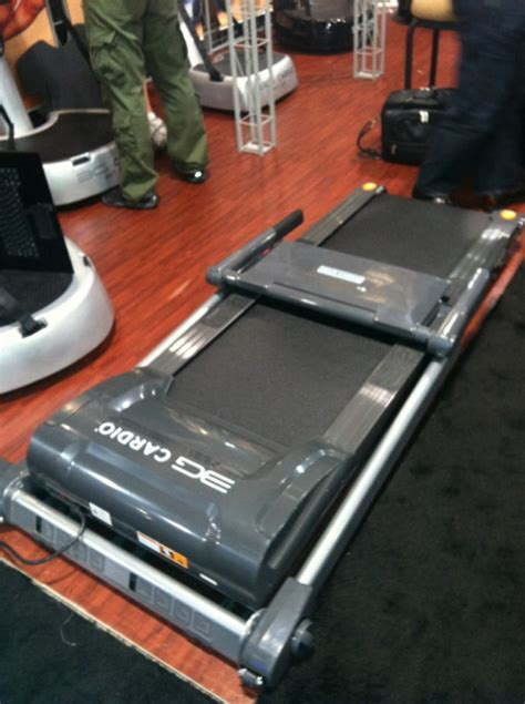 under bed treadmill 3g cardio 80i fold flat treadmill stars at vegas fitness show