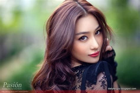old japanese ladies purple hair love this purple brown hair color look fashion and