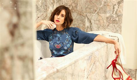 alison brie actress actress alison brie on dolly parton binge watching and