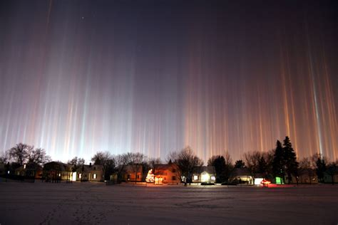 light pillars world s all amazing things pictures images and wallpapers