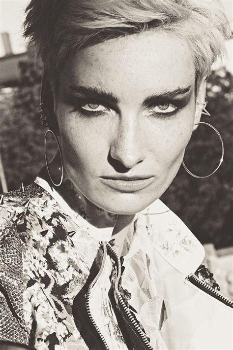 Ammy Blouse photography by ammy berent kaltblut magazine