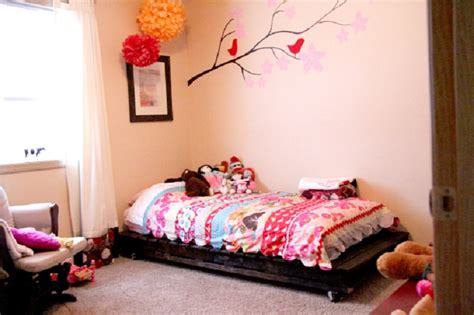kids pallet bed top 10 diy projects that will turn wooden pallets into