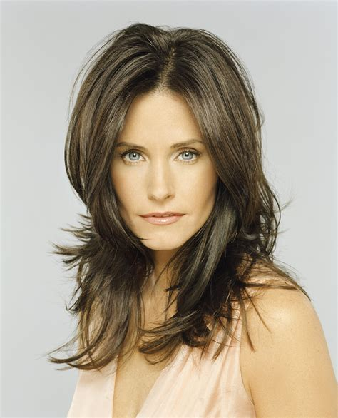 cutting instructions for thr rachael haircut these photos prove that courteney cox just gets hotter
