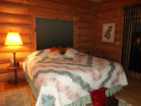 Cabin Bed Reviews by Cabin In The Woods Review Of Shea Dy Pines Bed And